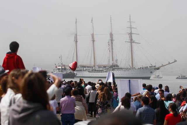 """Comandante en jefe de la Armada: """"No está prohibido el alcohol en los buques"""""""