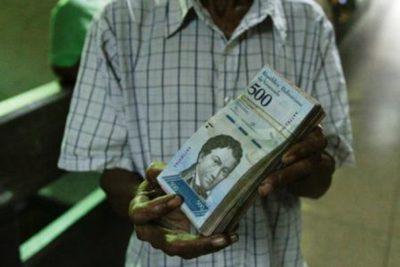 Incautan 25 toneladas de billetes venezolanos en Paraguay en casa de presunto comerciante de armas