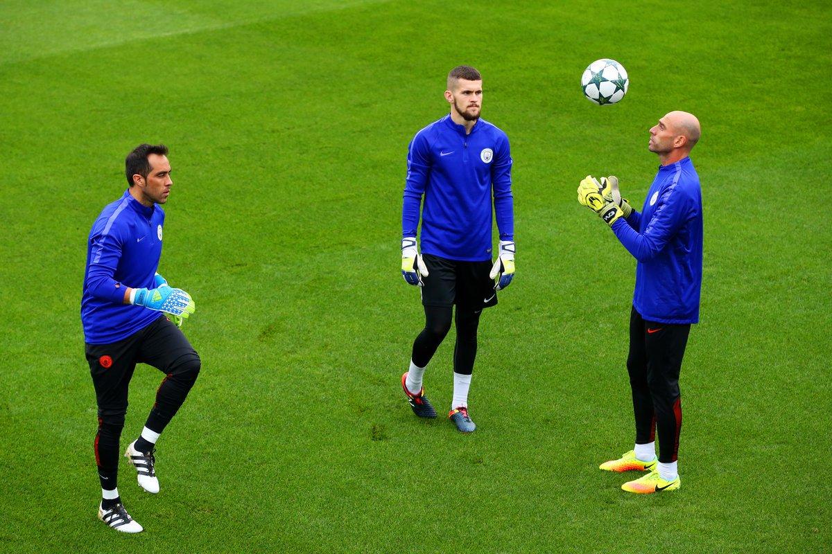 Willy Caballero destapó la interna con Claudio Bravo en Manchester City tras quedarse con la titularidad