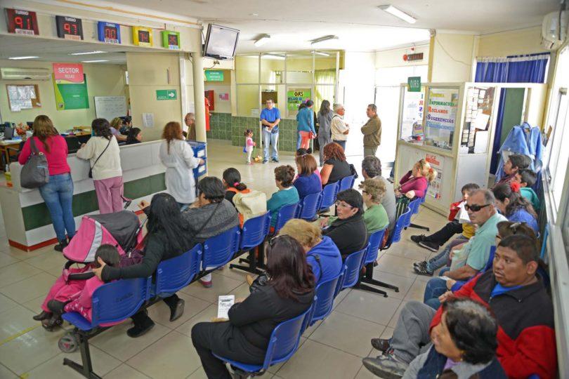 Subsecretario de Salud dice que la gente va a consultorios a socializar