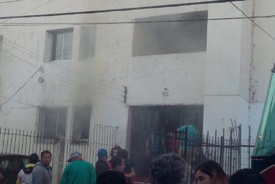 Incendio en Valparaíso revela asesinato: persona con 16 puñaladas estaba muerta y atada a una cama