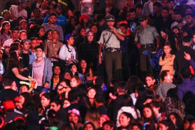 VIDEO | La riña que paralizó al humorista Rodrigo Villegas en el escenario de Viña 2017