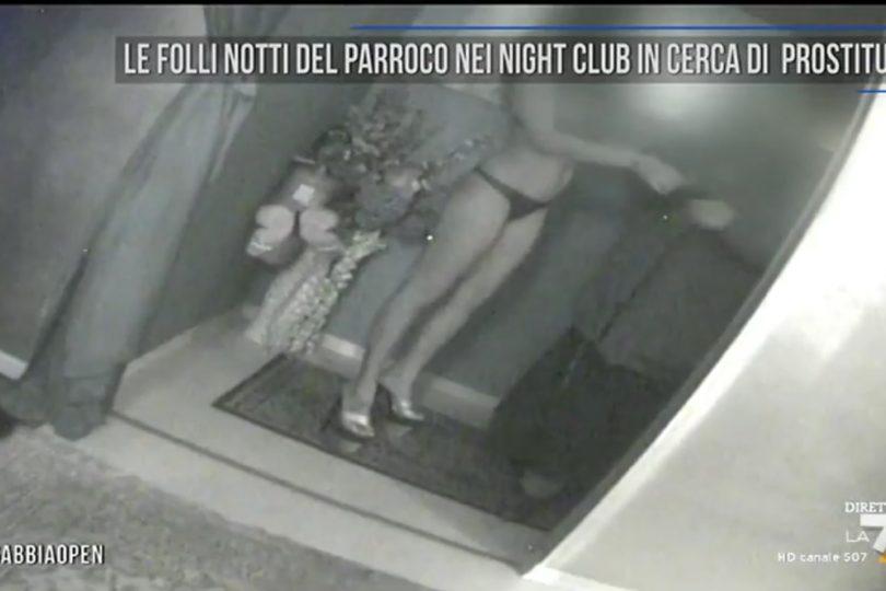 """""""Peco, después me confieso"""": la respuesta de sacerdote italiano sorprendido en club nocturno"""