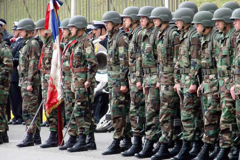 Suma y sigue: oficiales del Ejército recibieron por años pagos por servicios no prestados