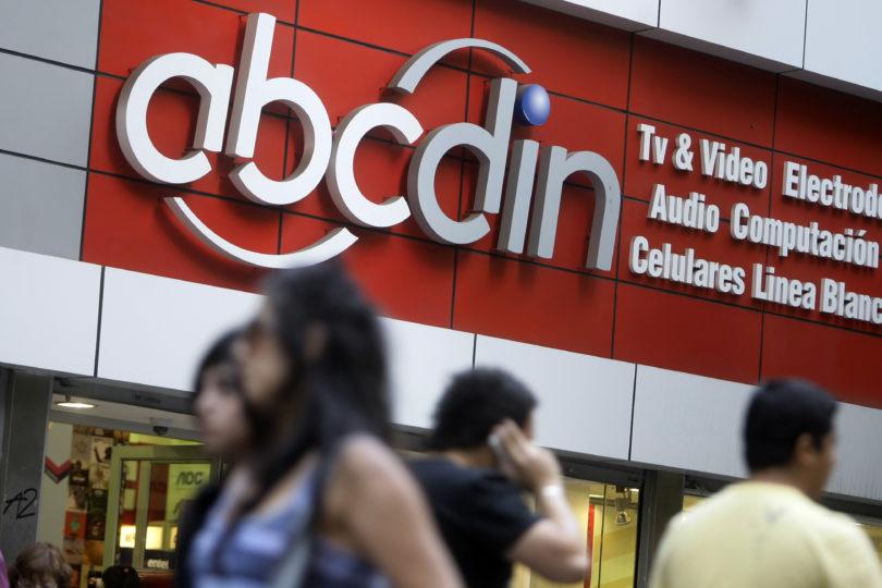 Sernac gana juicio a Abcdin por clientes en Dicom: afectados recibirán hasta $30 mil