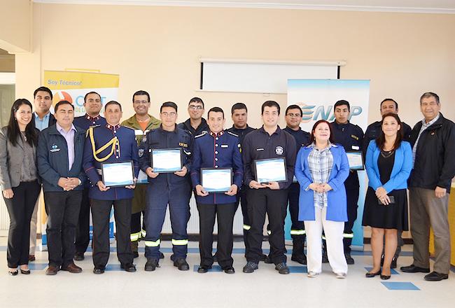 Bomberos de Hualpén y Talcahuano reciben capacitación para fortalecer sus funciones como rescatistas