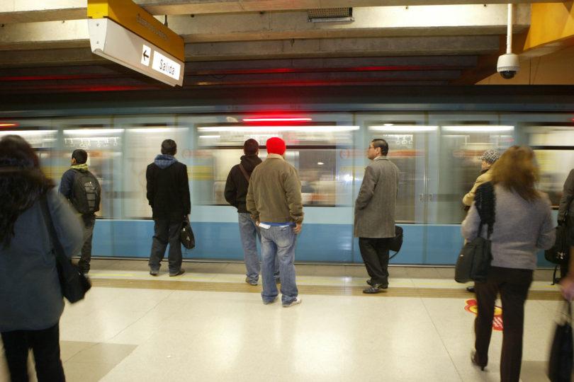 Controversia por posible conflicto de interés gatilla renuncia de director de Metro