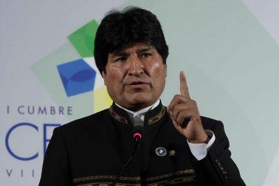 La verdad tras la denuncia de Evo Morales contra Carabineros por retiro de bandera boliviana