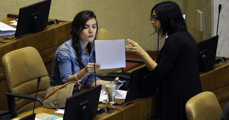"""Karol Cariola y Camila Vallejo cuestionaron cobertura del """"revolucionario"""" proyecto de Jackson y Boric"""