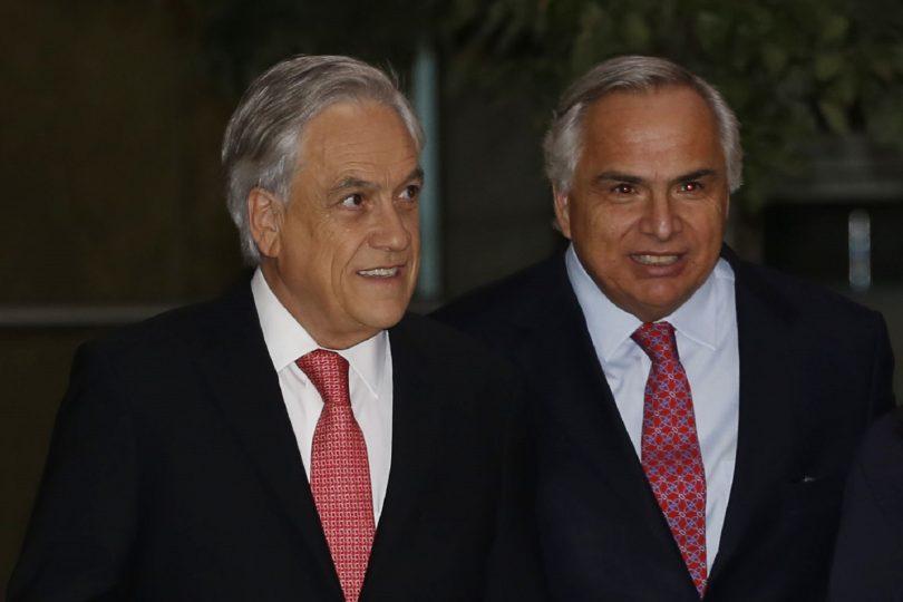 """Chadwick defiende a Piñera: """"No saben con la chichita que se están curando"""""""