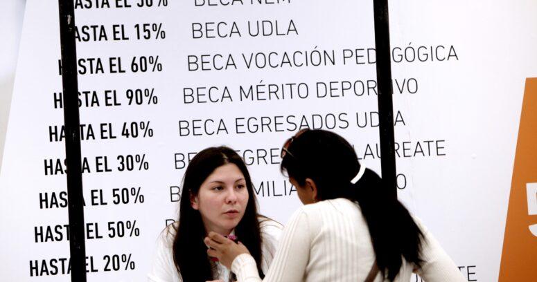 """Cuál es el panorama de matrículas y cómo enfrentan la """"competencia"""" las universidades sin gratuidad"""