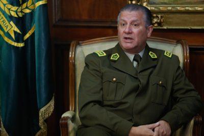 """General Director admite """"importante fraude fiscal"""" en Carabineros y da de baja a nueve oficiales"""
