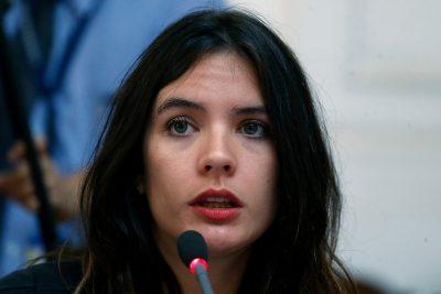 """La defensa de Camila Vallejo a Cathy Barriga por ser presentada como """"ex de Ronny Dance"""""""