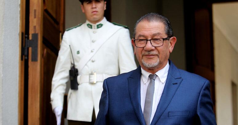 """""""Mahmud Aleuy cita a intendente de La Araucanía por llamar al diálogo a CAM tras ataques incendiarios"""""""