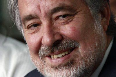 """Guillier arremete contra Piñera: """"Sabemos de su amor compulsivo a las finanzas"""""""