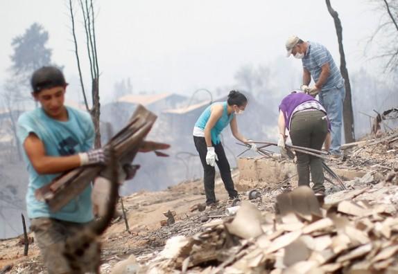 Vergüenza total: damnificados por incendios forestales realizan increíble denuncia por alimentos donados
