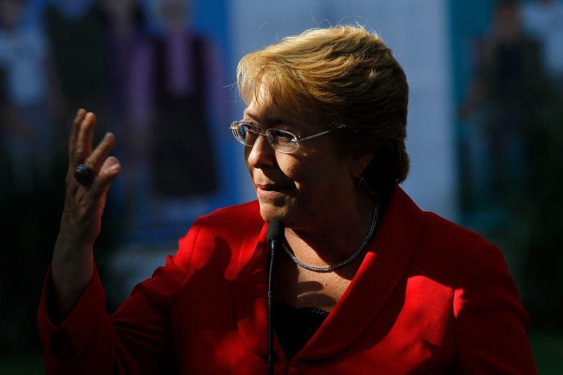 """Bachelet: """"Hay que seguir avanzando para separar los negocios de la política"""""""