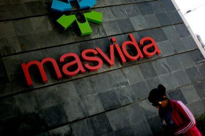 """Isapre Masvida analiza subir el precio de los planes y extender el """"corralito"""" a sus usuarios"""