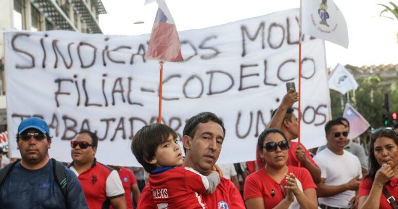 """""""Trabajadores de Escondida ponen fin a huelga: extenderán contrato actual por 18 meses"""""""