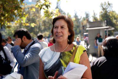 """Mariana Aylwin cuestiona críticas de Guillier contra el Gobierno: """"Se está cambiando de caballo"""""""