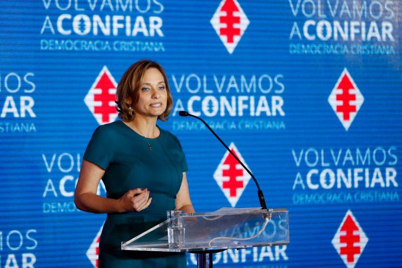"""Carolina Goic respalda idea de dos listas parlamentarias y pide """"salir de la trinchera política"""""""