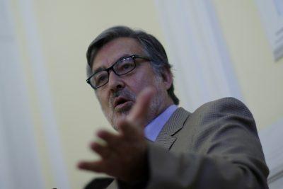 """Guillier fija posiciones: """"Hay que rectificar reformas y simplificar la tributaria"""""""