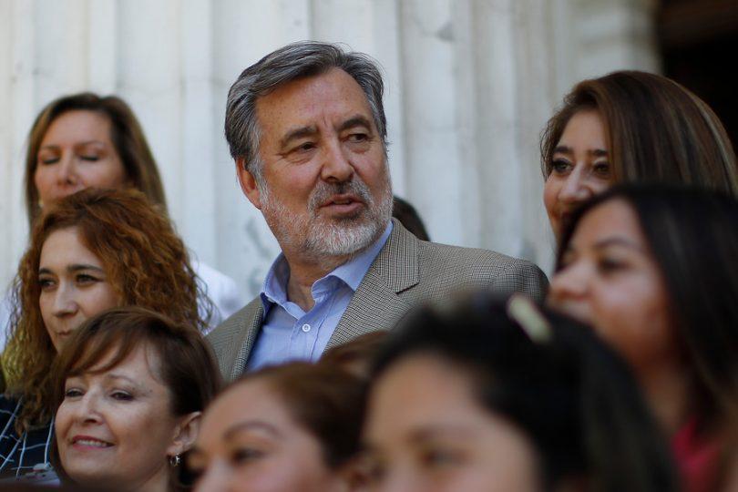 """Alejandro Guillier celebra irrupción de Bea Sánchez: """"La política se verá fortalecida con una mujer brillante"""""""