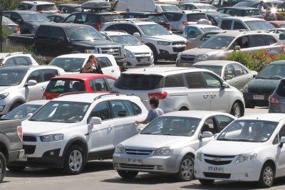 Estacionamientos : La Tercera se la juega por el cobro a todo evento
