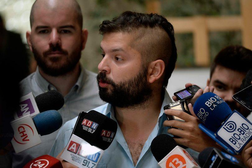 El duro round que enfrentó en Twitter a Gabriel Boric y Andrés Velasco por Beatriz Sánchez
