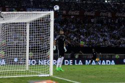 VIDEO | Patéticos: el arquero Sergio Romero mostró cómo estaba Argentina en su cancha