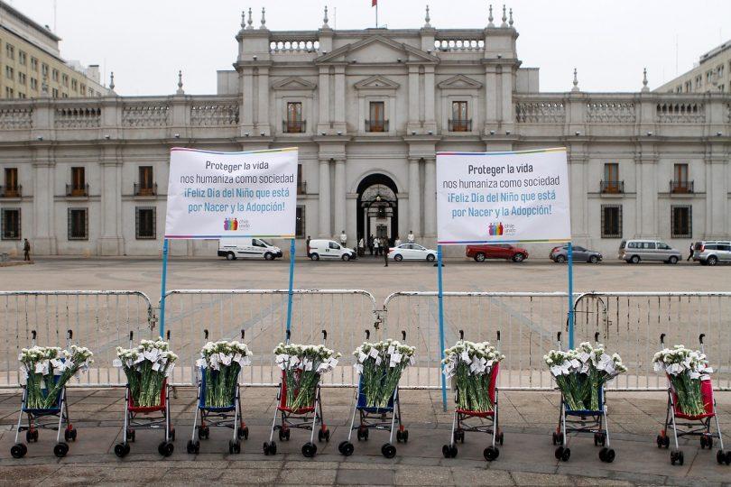 """Organización pro-vida pide memorial para """"no nacido"""" y los compara con detenidos desaparecidos"""