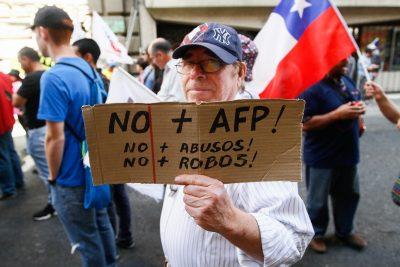 Sistema de pensiones: comienza plebiscito de No+AFP en todo Chile