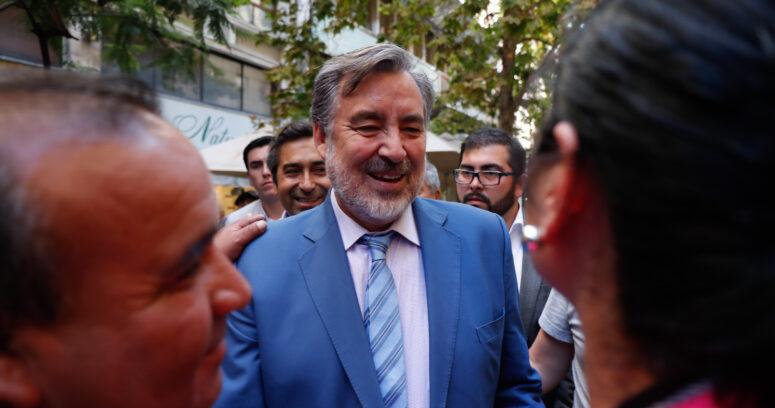 """""""Guillier critica sistema de AFP pero ahorra $1,3 millones al mes en APV con beneficio tributario"""""""