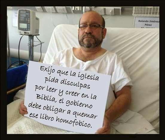 Iván Moreira le da duro al vocero de Movilh por una foto falsa que todos notaron (menos él)