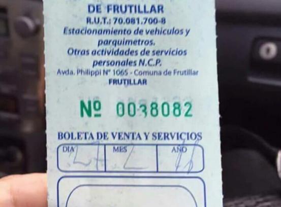 Estacionamientos concesionados a bomberos: municipios ya implementaron esta aplaudida medida