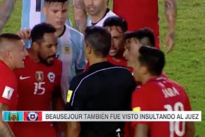 """ESPN Argentina publica video de Beausejour y pide sanciones de la FIFA: """"¿A Messi sí y a él no?"""""""