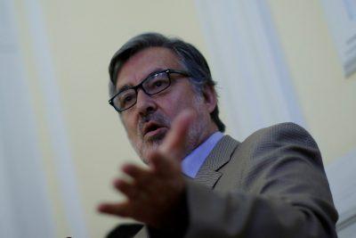 """Guillier sorprende con crítica a Bachelet: """"Miró a Chile desde arriba"""""""