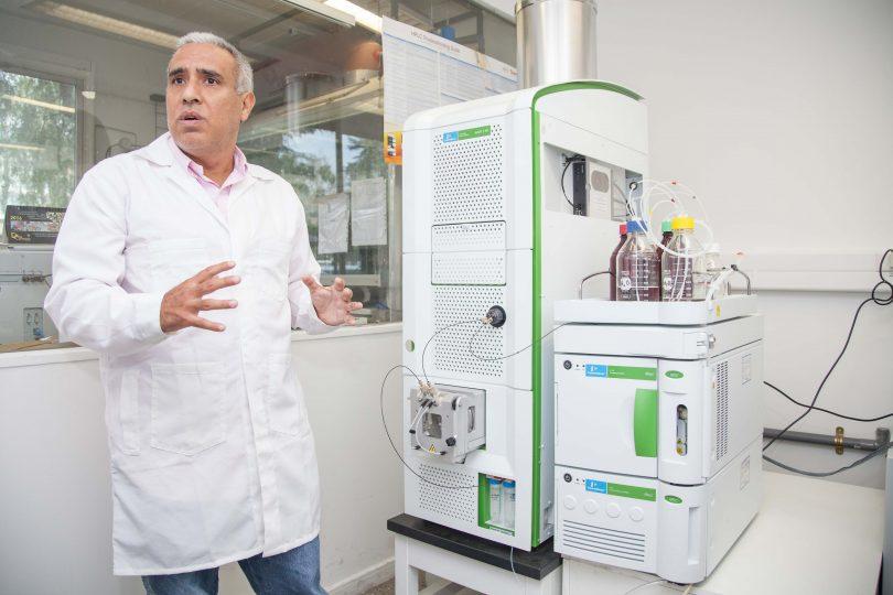 Científicos chilenos crean máquina que evita enfermedades transmitidas por alimentos contaminados