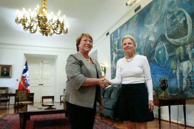 """Bachelet celebra entrega de terrenos de Tompkins al Estado: """"Es un gran día para Chile"""""""