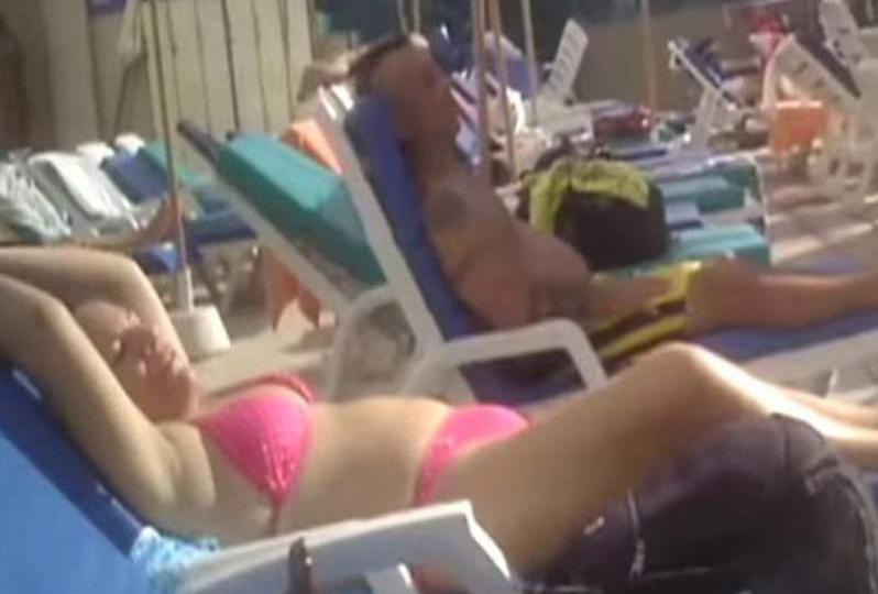 Viceministra peruana fue destituida por tomar sol en bikini durante inundaciones