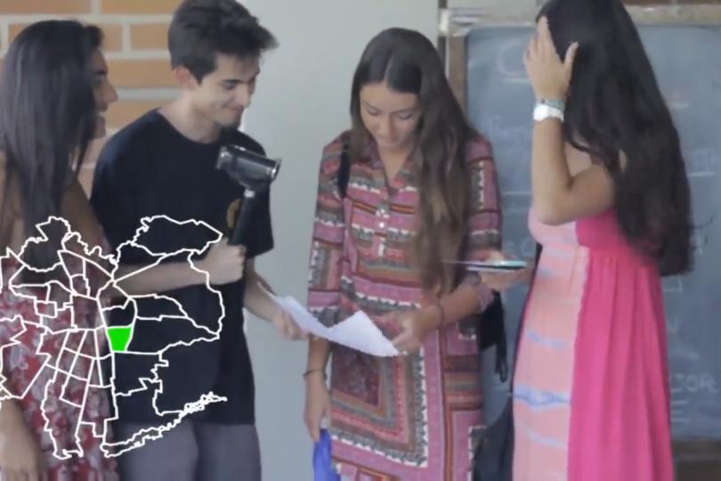 """VIDEO   """"Proletómetro"""": cuánto saben los alumnos de comercial PUC sobre cultura general"""