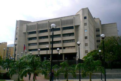 Tribunal Supremo de Venezuela asume competencias del Legislativo tras acusar desacato