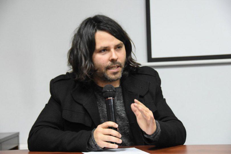 Alberto Mayol acepta participar en las primarias presidenciales del flamante Frente Amplio