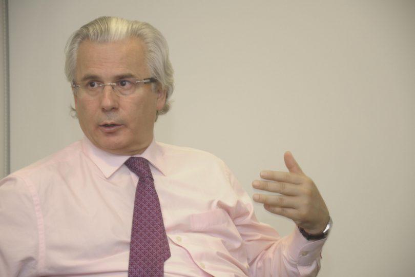 UDI pide al ministro del Interior impedir la llegada del ex juez Baltazar Garzón a Chile
