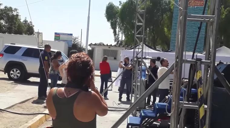 VIDEO | El momento exacto en que Cathy Barriga se indignó en evento en Maipú por broma con Rony Dance