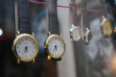 Cambio de hora: este sábado en la noche el reloj deberá retrasarse una hora