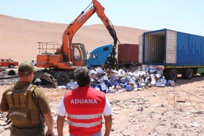 Aduanas destruyó más de 3.000 litros de cervezas olvidadas en el puerto de Iquique