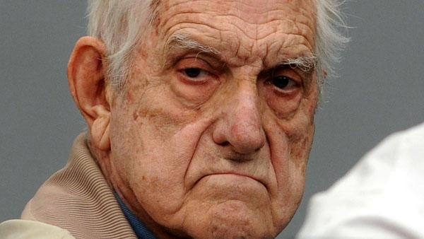 Justicia argentina condena a cadena perpetua por crímenes de lesa humanidad al último dictador del país