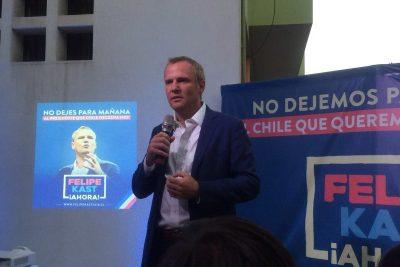 Felipe Kast presenta a su comando presidencial e instó a Piñera y Ossandón a realizar un debate