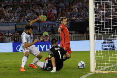 VIDEO   Imágenes revelan que gol de Chile ante Argentina fue mal anulado